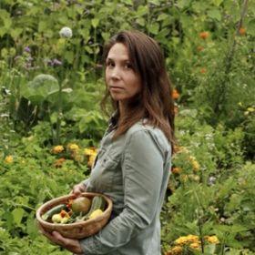 Fresh Exchange - Garden and Recipes in a Modern Farmhouse