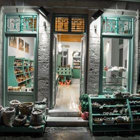 Mourtzis pistachio shop