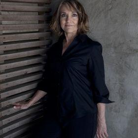 Brenda Vicars Hummel, Novelist