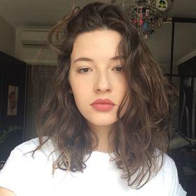 Isabela Piva