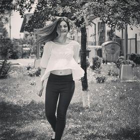 Elena Pana
