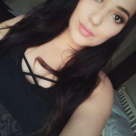Lia Flores