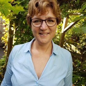 Esther Comello