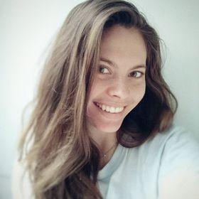 Аня Карайванская