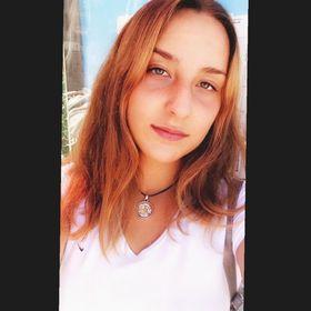 Elif Canan