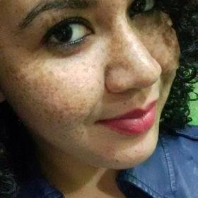 Rhaysa Esteves