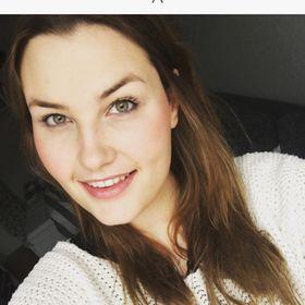 Laura Ri