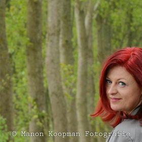 Mary Groosman-van Den Branden aka Stitch & Sew