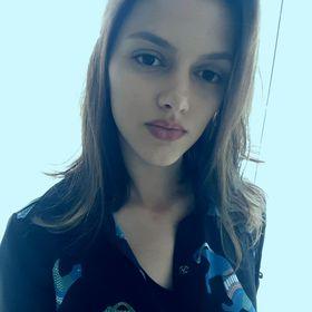 Flávia Cardoso