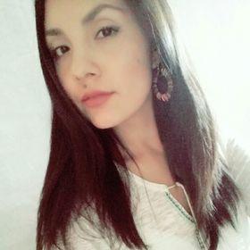 Yadira B Sandoval