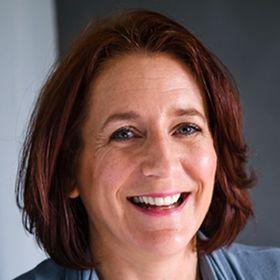 Emma Davis - Digital Strategist & Business Coach/Consultant