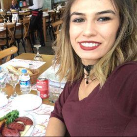 Esra Kalfa