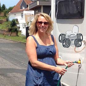 4 Reifen 1 Klo | Blog-Magazin | Omnia-Backofen | Camping