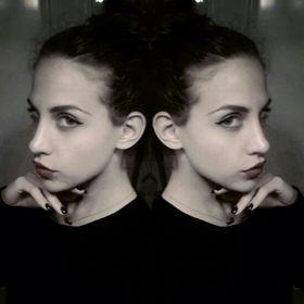 Eleni Papazoglou