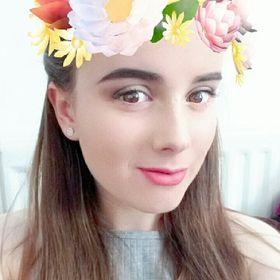Naomi Rowan   Beauty and Lifestyle Blogger