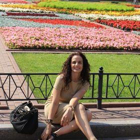 Alejandra De La Paz