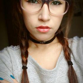 Lola Wang