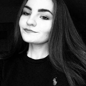 Natalia 🍷