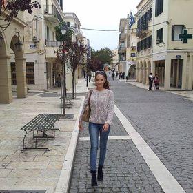 Leanna Mouzakitis