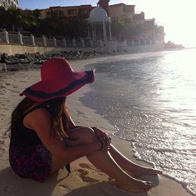 7aee47d1f97 Elisa Collado (elisacllds) on Pinterest