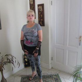 Elna Retief