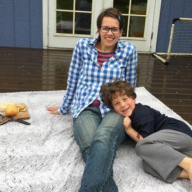 Poppiezlove Waterproof Blankets and Accessories