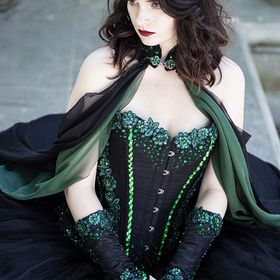 Daisy Viktoria * Costume and Corset Designer