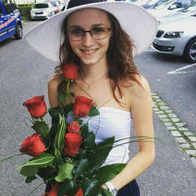 Evelin Príbelová