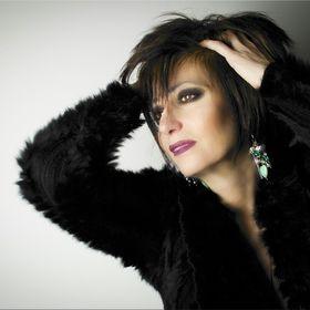 Elena Varia