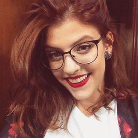 Camila Prado de Oliveira