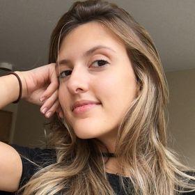 Natália Ferrarezi