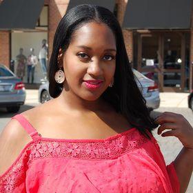 Pink Caboodle: Plus Size Fashion & Body Positive Blogger