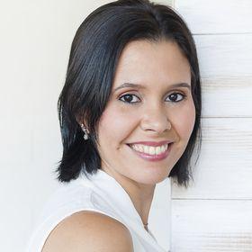 Arianna León - Asesora de Negocios Handmade