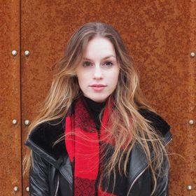 Julia Ambrus