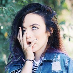 Zoe Agesta