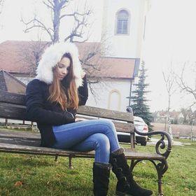Hevesi Laura
