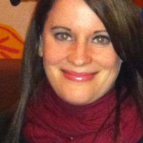 Kristine Bennett     Mom Side Hustle Strategist/Mindset Coach