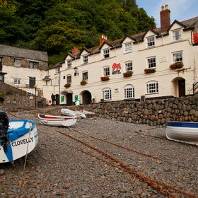 Clovelly Hotels