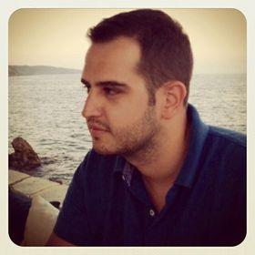 Aris Stefanis