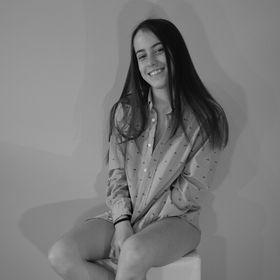Lili Hajagos