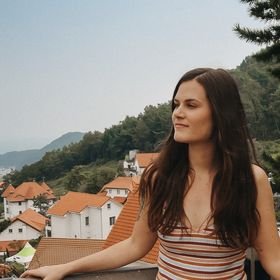 Courtney The Explorer | Travel Blog