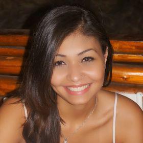 Luíza Santos