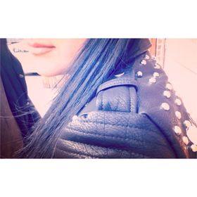 angie.✞