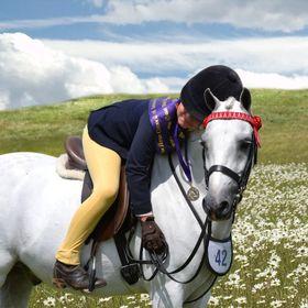 ShowGirl Equestrian