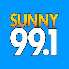 Sunny 99.1 Christmas 2021 58 Entertainment Ideas In 2021 Gigi Hadid And Zayn Christmas Eve Meme Gigi Hadid And Zayn Malik
