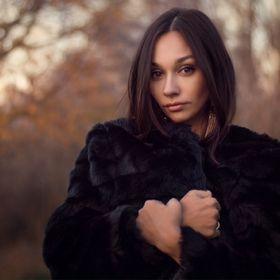 Ната Исакова