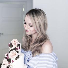 Emma Ivane - Cake Artist, Photographer, Author & Painter