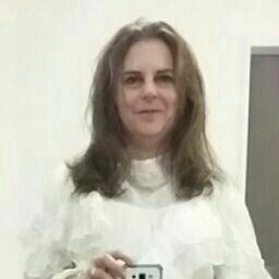 Selena Thomson