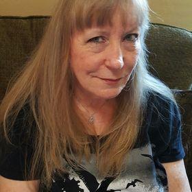 Lynda D Clark