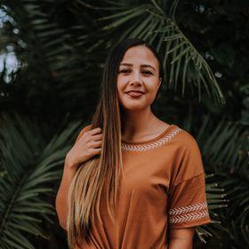 Anela Benavides | Wedding Photographer